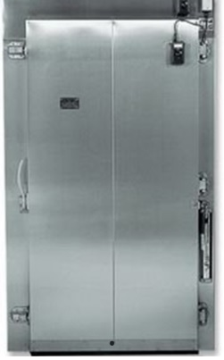 What are the Benefits of a Hercules Extreme Low Temp Overlap Freezer Door for Cold Storage Facilities in Ontario, CA