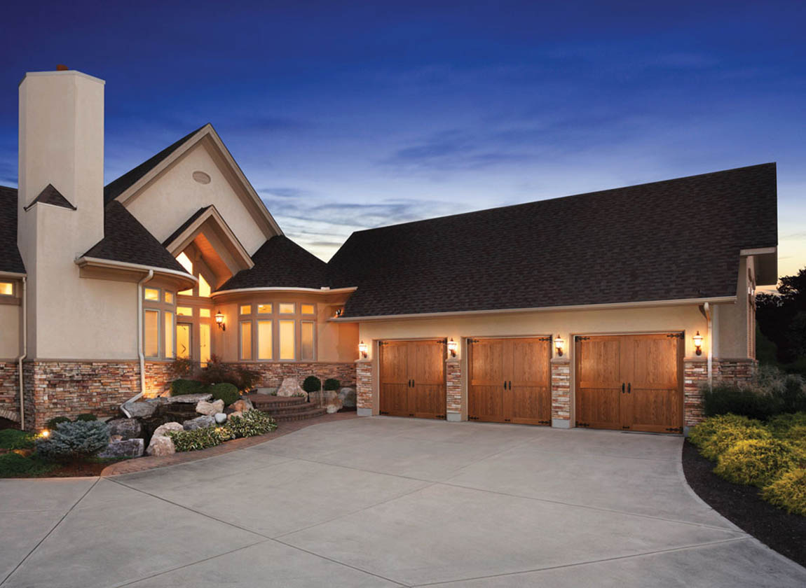 How to Choose the Right Garage Door Screen Solution?