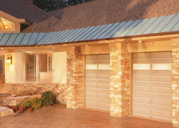 What are the Signs Your Garage Door Needs Replacement or Repair Service in Phoenix, AZ?